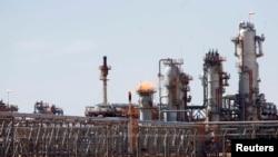 L'usine de gaz de Krechba, à environ 1200 km au sud d'Alger (14 déc. 2008)