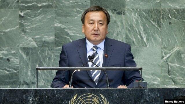 Asilbek Jeenbekov, Qirg'iziston parlamenti raisi
