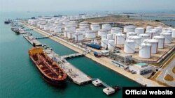 Una parte central del plan sería una institución que estuviese encima de la OPEP y la Agencia Internacional de Energía.