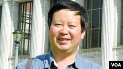 정치적 이유로 베이징대학교 교수직에서 해임됐다고 주장하는 샤예량 교수.