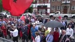 Protest Albanaca ispred srpske ambasade u Vašingtonu