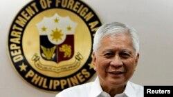 FILE - Philippine Foreign Affairs Secretary Albert Del Rosario at the Department of Foreign Affairs headquarters in Manila, Sept. 4, 2013.