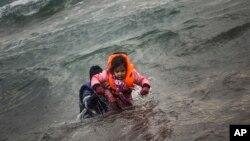 Spasavanje migranata u Egejskom moru