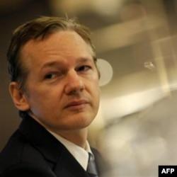 "Julian Assanj, ""WikiLeaks"" sayti asoschisi"