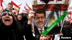 Сторонники Мурси. Каир. 19 июля 2013г.