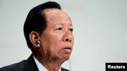 Bộ trưởng Quốc phòng Campuchia Tea Banh dẫn đầu phái đoàn 23 quan chức quân sự và an ninh cấp cao tới Bắc Kinh chỉ vài ngày sau các cuộc xung đột biên giới Campuchia-Việt Nam.