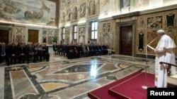 Đức Giáo Hoàng Phanxicô trong một buổi gặp các giới chức ở Vatican ngày 4/3/2019.