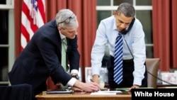 Tổng thống Obama và Chánh văn phòng Tòa Bạch Ốc Denis McDonough
