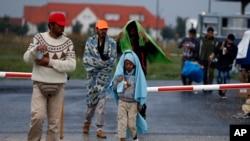 难民9月5日抵达了和匈牙利接壤的奥地利边境地区尼克尔斯多夫。