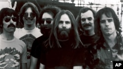 FILE - This undated file photo shows members of the Grateful Dead band, from left to right, Mickey Hart, Phil Lesh, Jerry Garcia, Brent Mydland, Bill Kreutzmann, and Bob Weir.