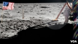 Esta foto es una de las que tomaron los astronautas de la misión Apolo 11.