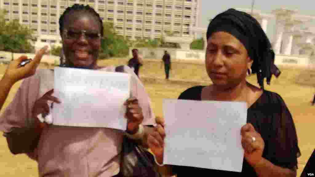 Mata masu zanga-zanga a Abuja kafin 'yan sanda su tarwatsa su