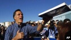 美国共和党总统参选人罗姆尼1月28日在佛罗里达竞选
