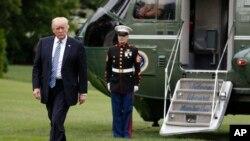 سفر جمعه آقای ترامپ اولین سفر خارجی او در مقام ریاست جمهوری تلقی می شود.