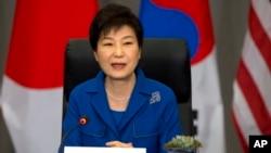 지난달 31일 미국 워싱턴에서 열린 핵안보정상회의에 참석한 박근혜 한국 대통령이 미한일 정상회담 후 기자회견에서 발언하고 있다. (자료사진)