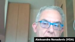 Profesor kliničke farmakologije sa Medicinskog fakulteta u Beogradu i konsultant u Kliničko bolničk