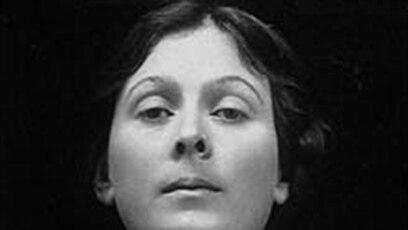 e9ff802e9 Isadora Duncan