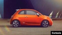 El precio del Fiat 500e comienza en $32 mil 650 antes de los créditos impositivos (Foto: Fiat).