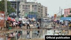 Luanda não padece apenas da falta de água e de eletricidade como também de saneamento e redes de drenagem, com ficou demonstrado com as chuvas durante o mês de Novembro