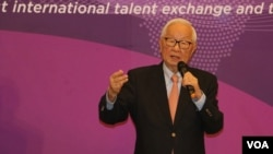 台湾台积电创办人张忠谋在人才循环大联盟峰会做主旨演讲。
