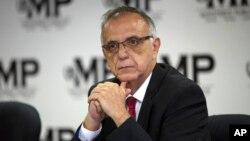 En esta foto de archivo del 19 de abril de 2018, Iván Velásquez, comisionado de la Comisión Internacional contra la Impunidad de las Naciones Unidas, CICIG, participa en una conferencia de prensa con el Fiscal General de Guatemala, en la Ciudad de Guatemala. Foto: AP.