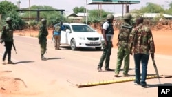 En abril supuestos militantes islamistas secuestraron en el condado keniano de Mandera, a Assel Herrera Correa, un doctor de medicina general, y Landy Rodríguez Hernández, cirujano.