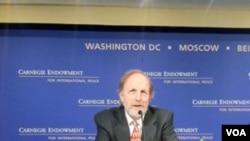 卡内基和平基金会中国安全和外交问题专家迈克尔·史文