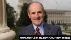 Джеймс Ріш. Фото з офіційної сторінки сенатора-республіканця