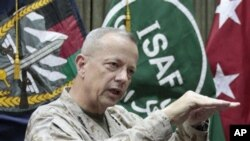 존 앨런 아프가니스탄 주둔 미군 사령관. (자료사진)