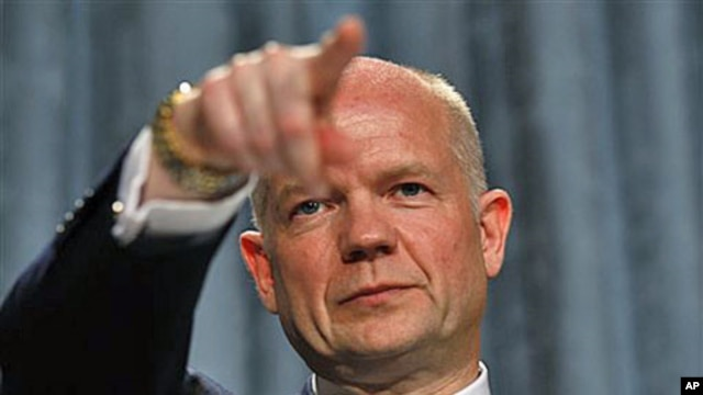 Britain's Foreign Secretary, William Hague, delivers his first foreign policy speech at the Foreign and Commonwealth Office in London, 1 Jul 2010 (file photo)