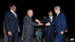 پذیرایی از جان کری در اسلام آباد