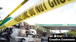 Una estación de servicio fue quemada durante las violenats protestas en Milwaukee, Wisconsin.