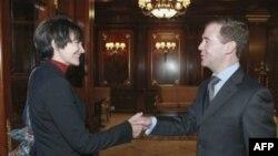 Дмитрий Медведев благодарит президента Швейцарии Мишлин Кальми-Рей за посредничество между Россией и Грузией на переговорах по ВТО