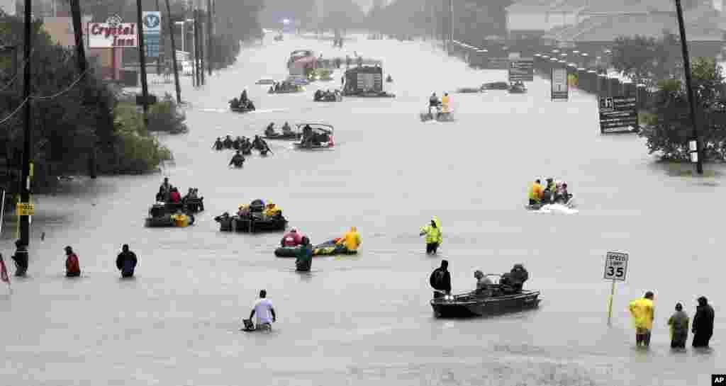28 августа 2017 -ураган «Харви» обрушил на Хьюстон небывалые по силе ливни, нанеся Техасу ущерб на сумму от 150 до 180 миллиардов долларов