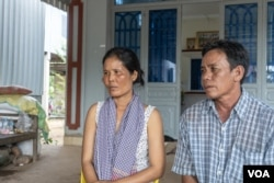 Grieving parents Phat Pov and Dum Vuth sat down with VOA Khmer to talk about the pain of losing their daughter, Dum Rida, at their home in Kandal province, Cambodia, April 2, 2019. (Khan Sokummono/VOA Khmer)
