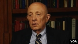 Former CIA Director James Woolsey in an interview with VOA's Persian News Network.