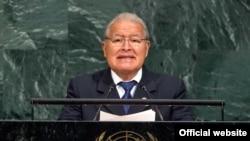 El presidente salvadoreño, Salvador Sánchez Cerén dijo a la Asamblea General de la ONU que es fundamental reconocer la contribuciones positivas de los migrantes en las sociedades de destino. NUeva York, Sept. 21, 2017. Foto: ONU.