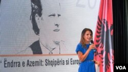 Ceremoni perkujtimore per Azem Hajdarin