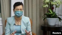 台湾经济部长王美花在台北接受路透社采访。(2021年9月30日)