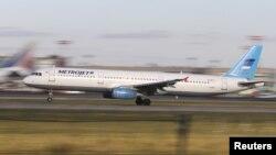 L'Airbus A321 de la compagnie Metrojet décolle de l'aéroport de Moscou, le 20 octobre 2015. (REUTERS/Marina Lystseva)