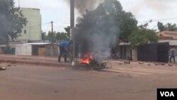 A Ouagadougou, manifestations de rue contre la junte (VOA / Issa Napon - 19 septembre 2015)