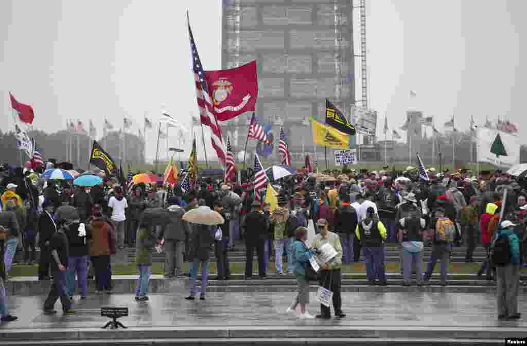Protesters rally at the National U.S. World War II Memorial in Washington, Oct. 13, 2013.