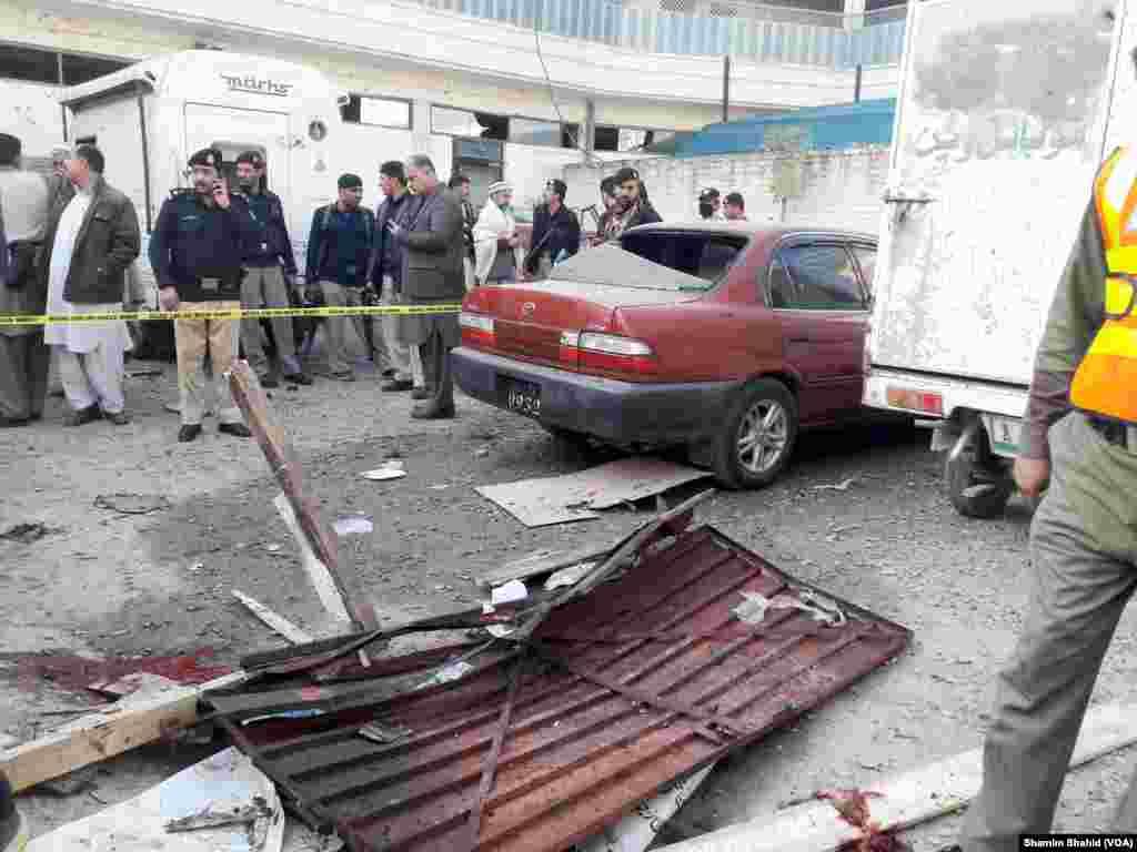 دھماکے سے کئی قریبی عمارتوں کو بھی نقصان پہنچا۔
