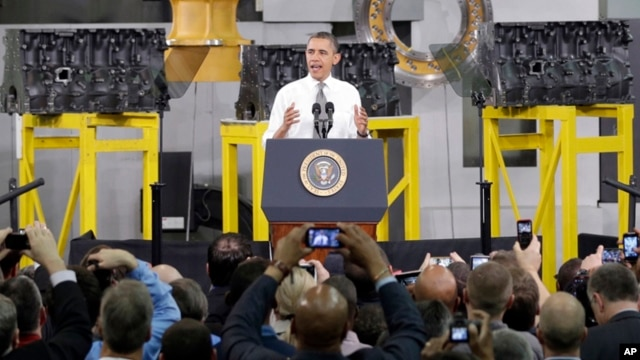 Obama dijo en la fábrica que los empleos que busca para el país no tienen filiación partidista, no son demócratas ni republicanos.