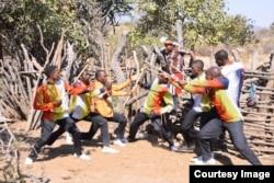 Bathakazelelwa nguzulu ... (Courtesy Photo)