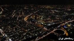 نمایی از تهران در شب