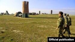 Müdafiə naziri Zakir Həsənov Hərbi Hava Qüvvələrinin döyüş hazırlığını yoxlayır