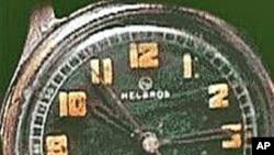 Glow-in-the-dark watch containing radium