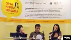 Panitia Cipta Media Bersama saat mengumumkan 35 peserta terpilih yang berhak menerima hibah senilai 1 juta dolar dari Ford Foundation (23/9).