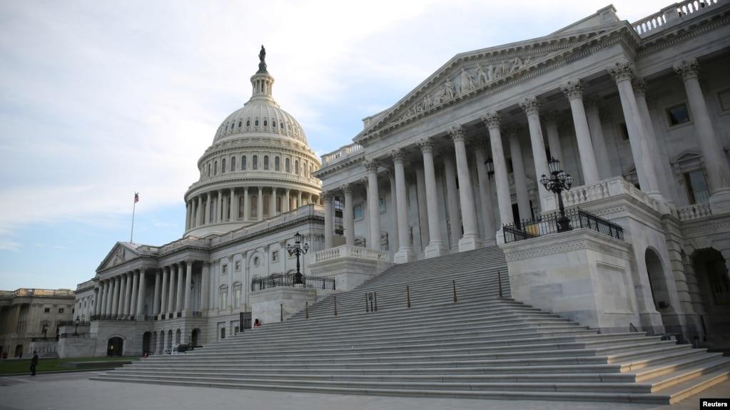 Сенат США лишил Трампа возможности назначать новых чиновников в ходе каникул